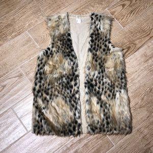 Xhilaration fur vest Small